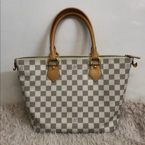 Louis Vuitton Seleya